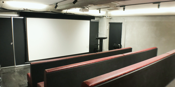プレゼンテーションスペース